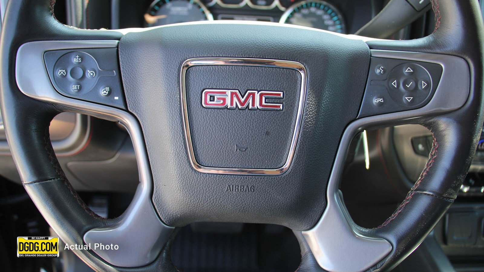 Pre-Owned 2017 GMC Sierra 2500HD SLT TURBO DIESEL