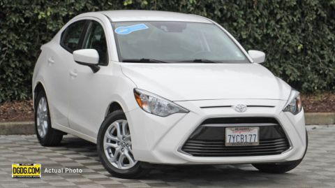 2017 Toyota Yaris iA Base FWD 4D Sedan