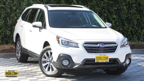 2019 Subaru Outback 3.6R Touring With Navigation & AWD