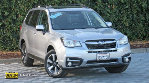 2017 Subaru Forester 2.5i Limited With Navigation & AWD